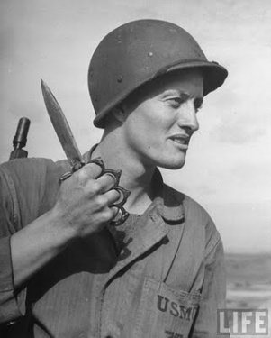 US_Mark_One_Trench_Knife-Soldier.jpg