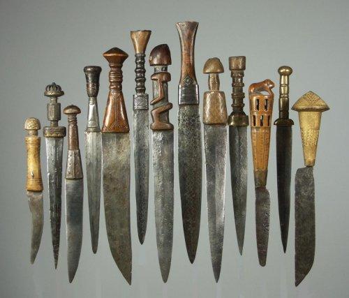 West-African-daggers-kl..jpg