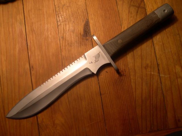 knife002.jpg