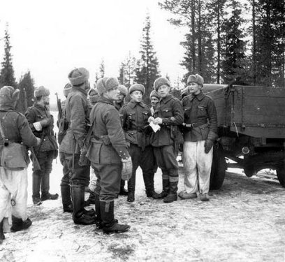 Finnish soldiers during winter war.jpeg