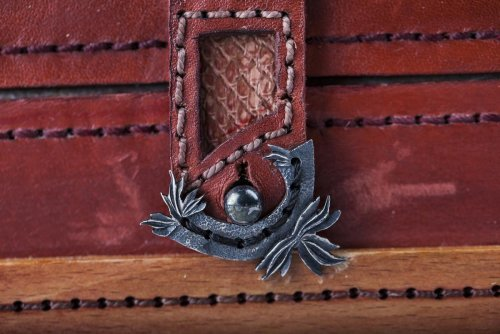 Коробка Гусар фрагмент замок ДЕМО.jpg