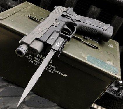 Bluntforce-Mk-2-Stiletto-Pistol-Bayonet-4.jpg