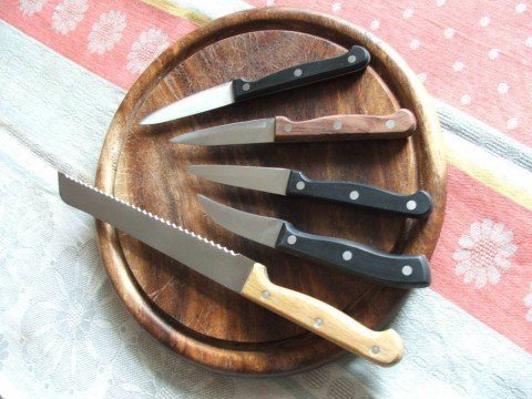 small-and-bread-knives-dscf2360-480x360.jpg