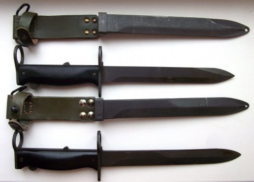 Сравнение штыков образца 1958 г. и обр. 1956 г. к самозарядной винтовке MAS обр. 1949)56.jpg