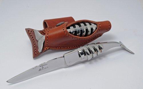 cachalot-squelette-farol-20-ans-de-passion-pour-un-leviathan-couteaux-farol-1500x931.thumb.jpg.8f6d8eb03c122fd0341fd2d1d667d1f5.jpg