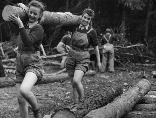 15-Lumberjills-ed.jpg