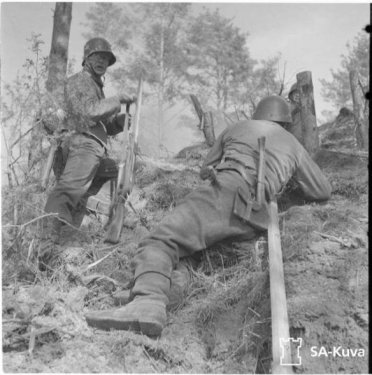 Axes_Finnish_Army_1939-1945_16 (1).jpg