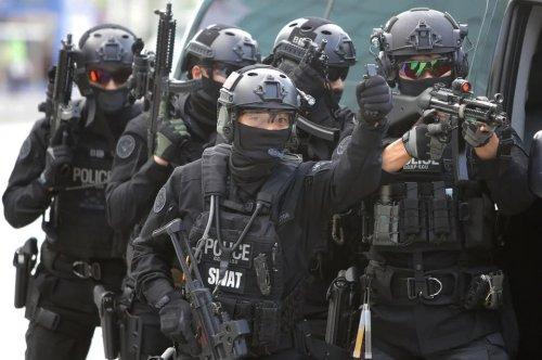 swat_1.thumb.jpg.9589de68b49c82f45da033c5636df160.jpg