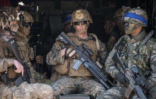 swat_11.thumb.jpg.db2f7b29c01e9d2ab9f980d2d20a71ce.jpg