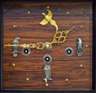 Часы каминные с медвежьим кинжалом4.jpg