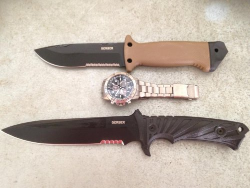 Gerber-LMF-II-survival-knife-and-LHR.JPG