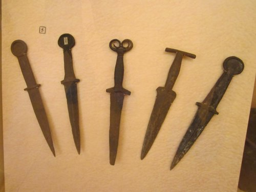 Кинжалы древняя Хакасия  1.jpg