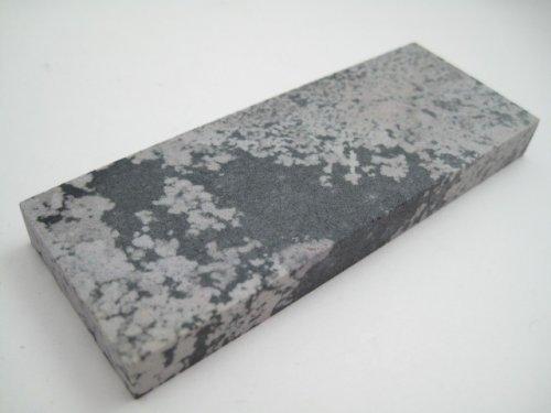 Камень-вашита-Washita-от-Buck-Knives.jpg